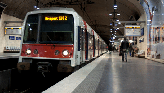 station rer in paris